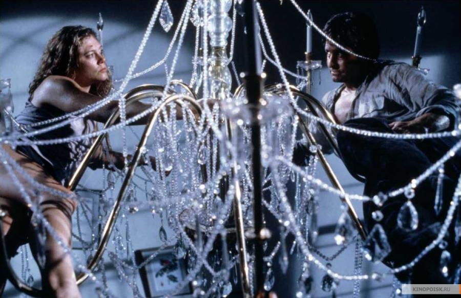 """Кадър от """"Войната на семейство Роуз"""", 1989, реж. Дани Де Вито"""