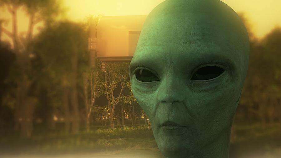 Извънземните са тук, твърди лектор от Оксфордския университет