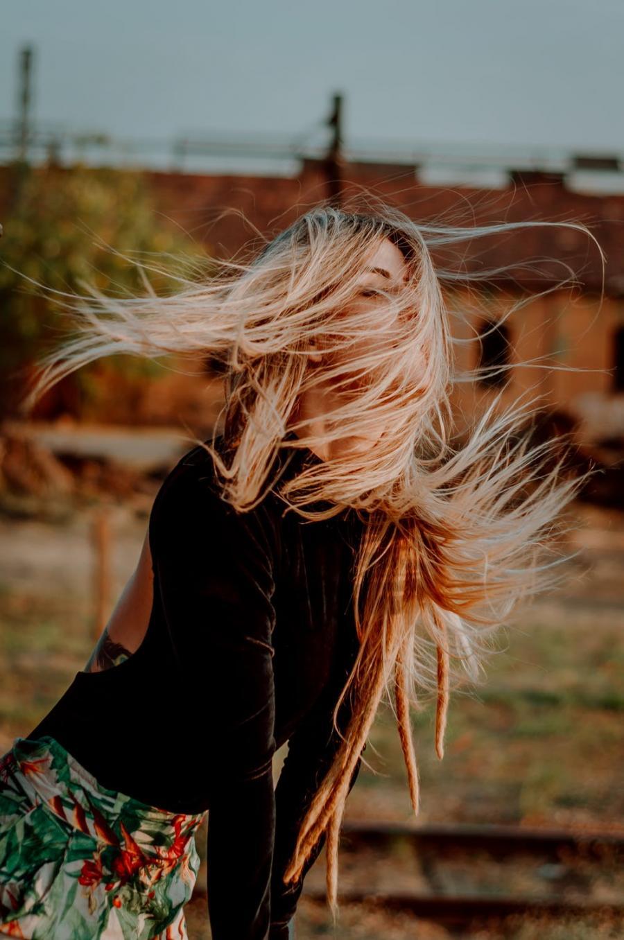 картинки волосы на ветру был
